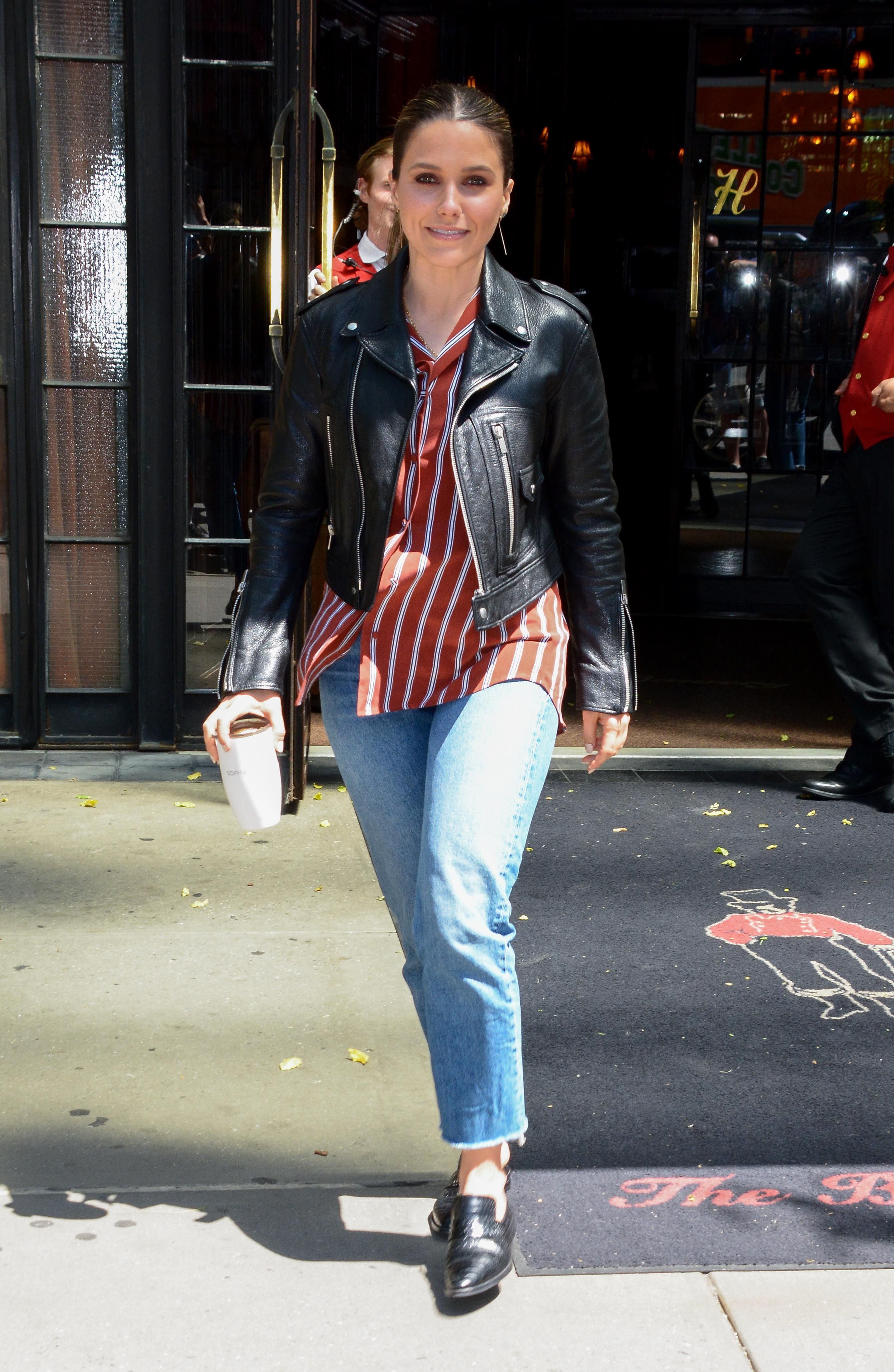 d8f96d1235 39 Chic Memorial Day Weekend Outfit Ideas From Your Fave Celebrities