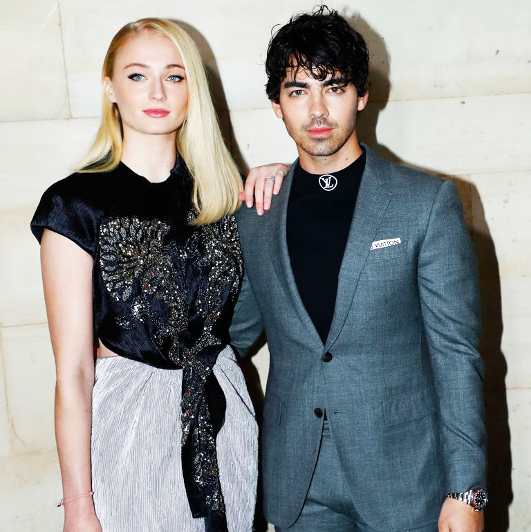 "Sophie Turner Says That Dating Joe Jonas ""Saved"" Her Life"
