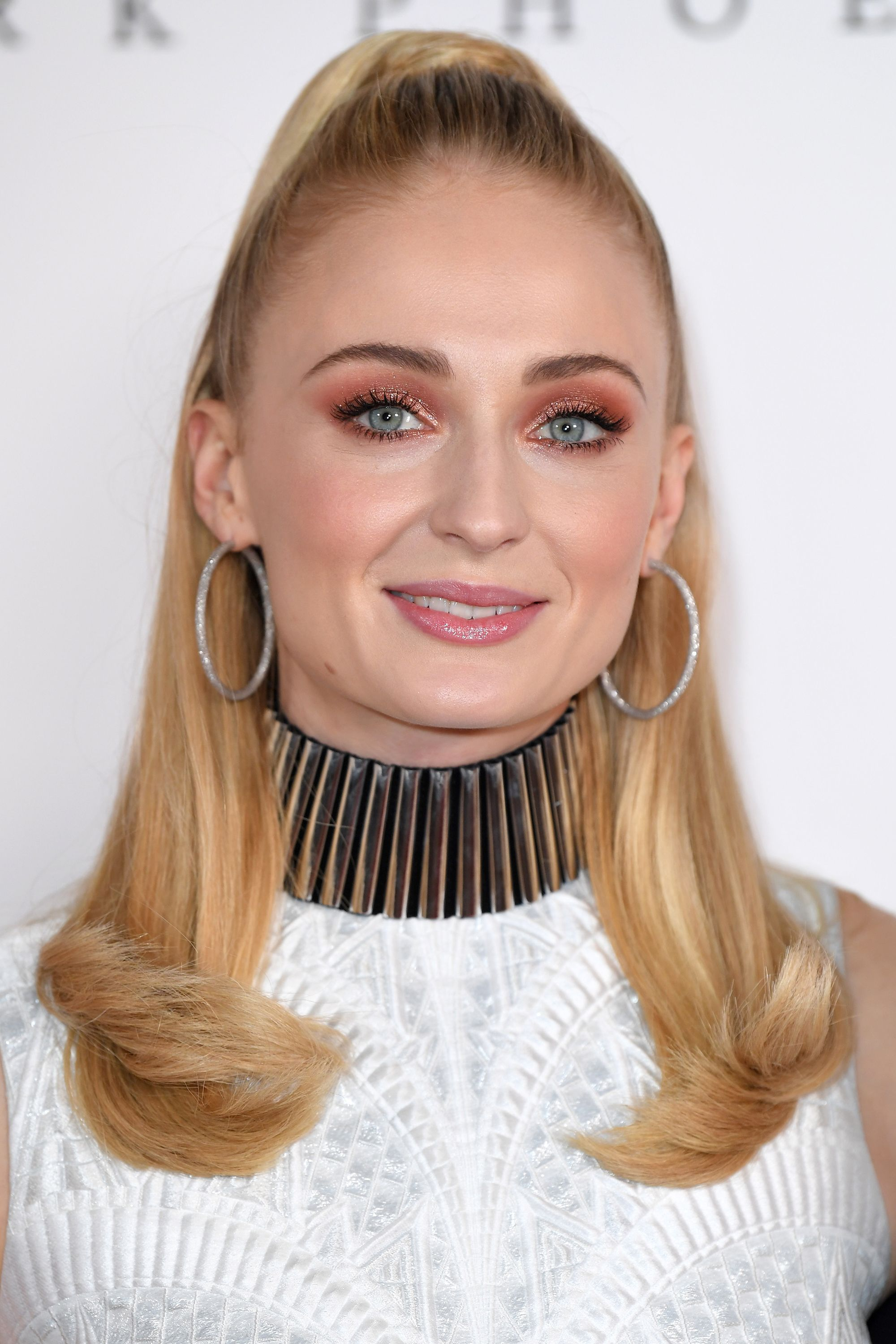 79aed31f608 Daily beauty inspiration for 2019 - Best celebrity beauty looks