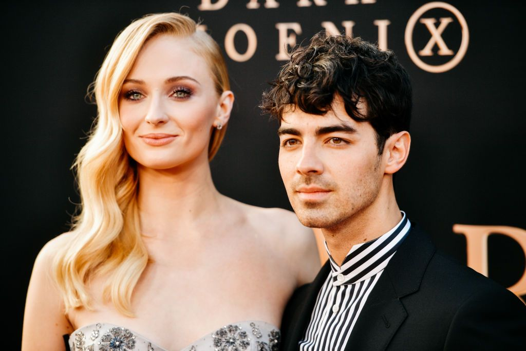 Sophie Turner surprised Joe Jonas on stage with a cake for his 30th birthday