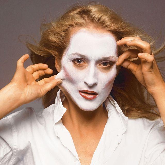 Face, Hair, Eyebrow, Beauty, Nose, Lip, Hairstyle, Head, Chin, Skin,