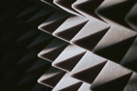 how to soundproof a room, soundproofing a room, soundproof panel of polyurethane foam