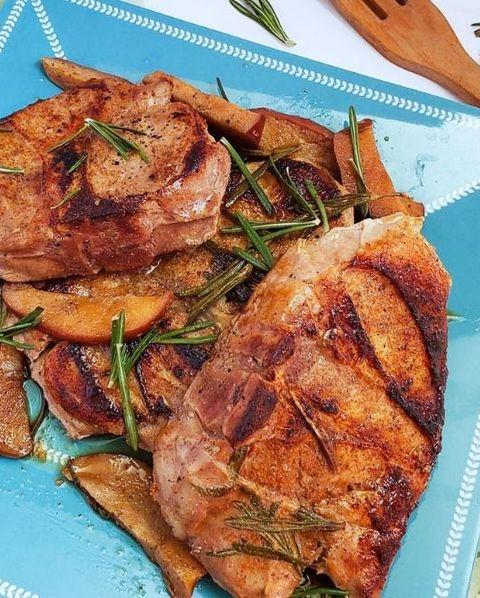 juicy sous vide apple  rosemary pork chops