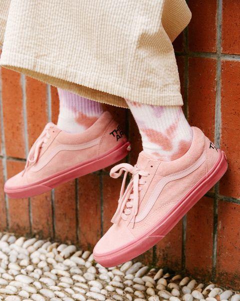 vans牛年限量聯名帆布鞋形象照
