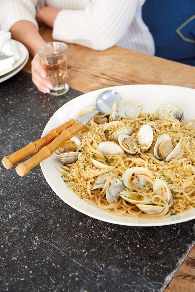 spaghetti with clams katie lee biegel