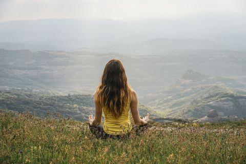 mantras yoga beneficios reducir estrés