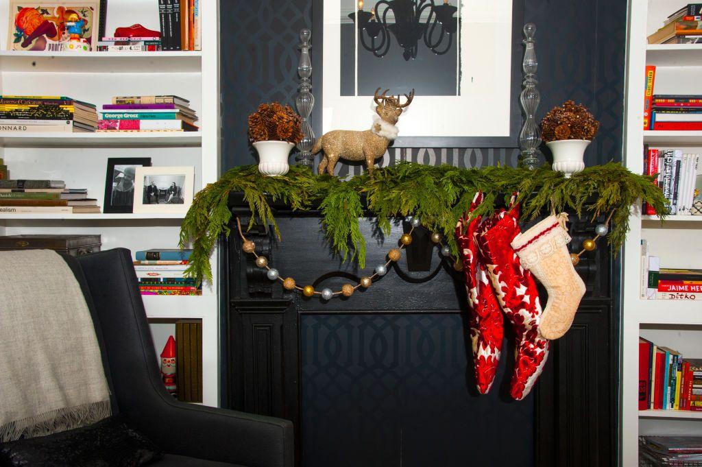 25+ Stunning Christmas Mantel Decor Ideas