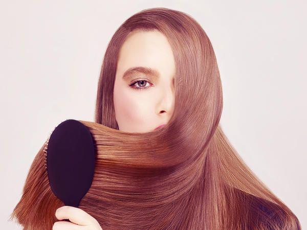 10 cose che facciamo ogni giorno che rovinano i capelli