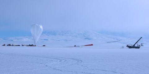 Snow, Winter, Sky, Arctic, Natural environment, Ice, Geological phenomenon, Ice cap, Freezing, Cloud,
