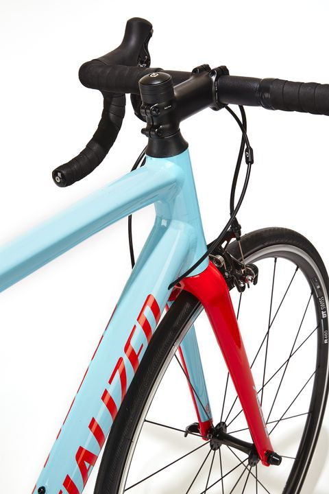 1af044a1f99 E5 alloy and a smart component package keeps the price in check. Specialized.  The Allez Family Specialized's original road bike ...