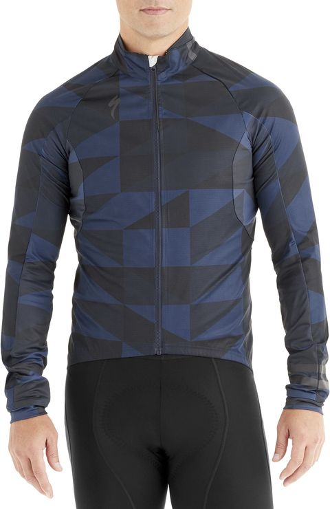 Clothing, Sleeve, Jersey, Sportswear, Jacket, Outerwear, Collar, Neck, Top, Muscle,