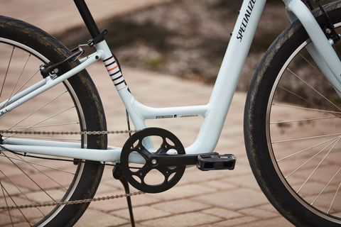 The Specialized Roll has a low step-over frame