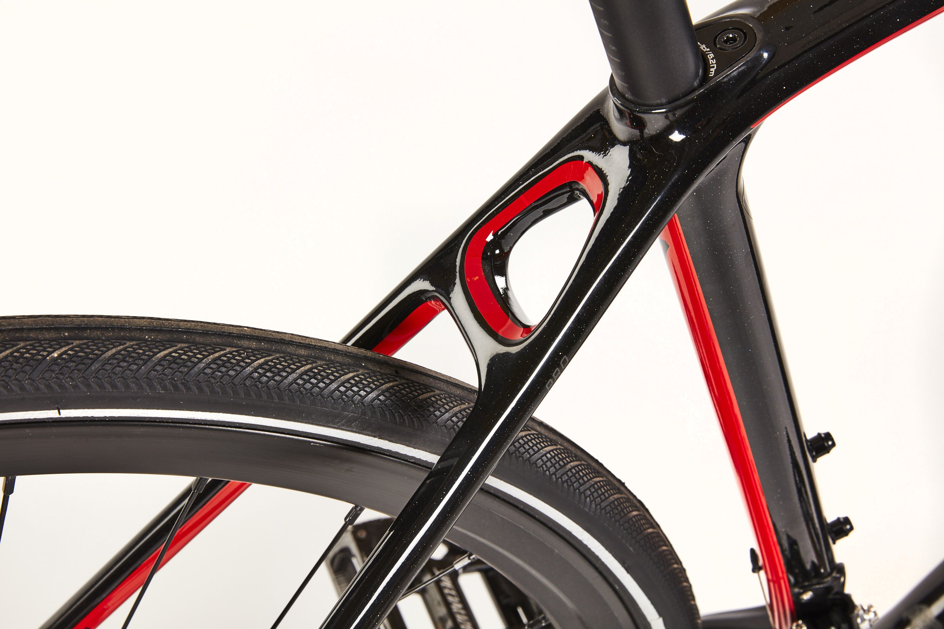 Specialized Sirrus Carbon Pro