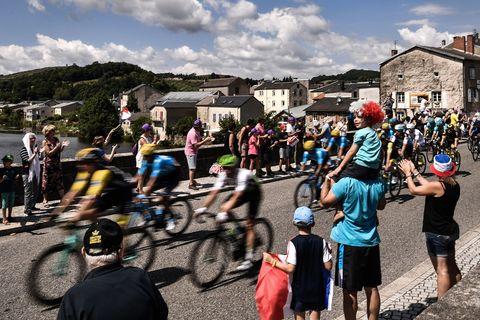 CYCLING-FRA-TDF2018-POSTCARD-FANS-PACK