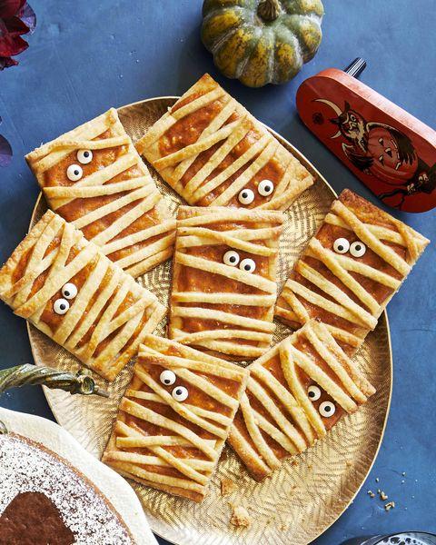 spiced pumpkin molasses cake, mummy pumpkin hand pies