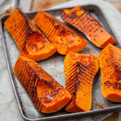 Barbecued spicy squash quarters
