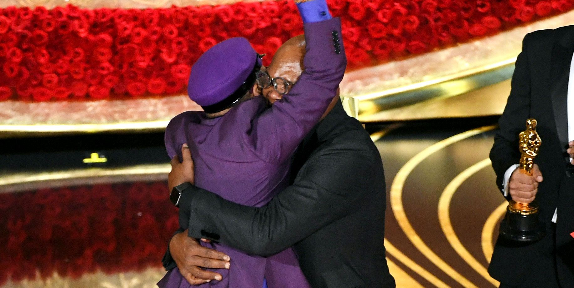 Spike Lee jumps on Samuel L. Jackson as he wins Best Adapted Screenplay award for BlacKkKlansman