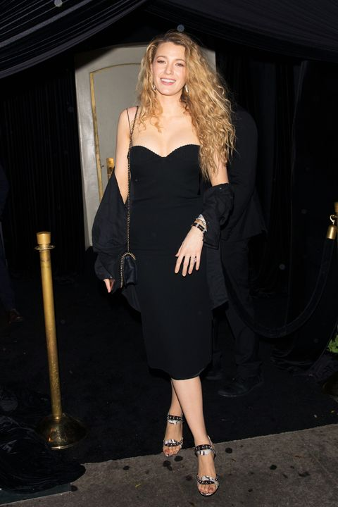 9976e598 Blake Lively in Black Mini Dress With '90s Curls - Blake Lively's ...