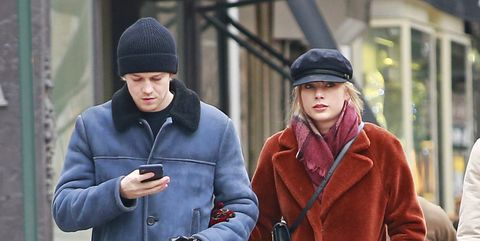 who taylor swift dating now