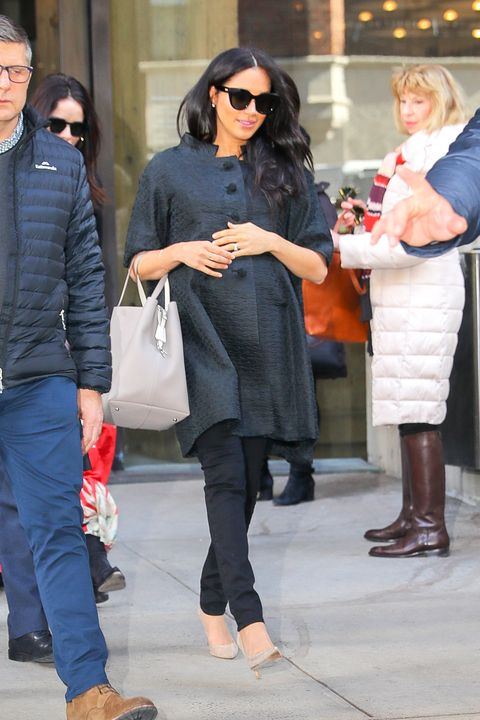 0d3a64b8974e5 Meghan Markle Wearing Le Specs Sunglasses in NYC for Her Baby Shower