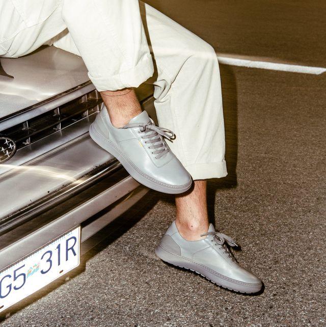 casca shoes street shot night car