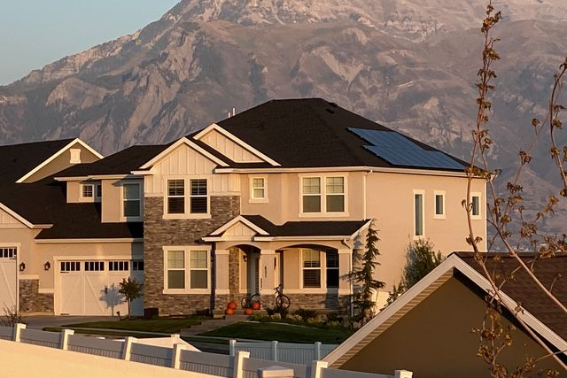 house with project solar panels
