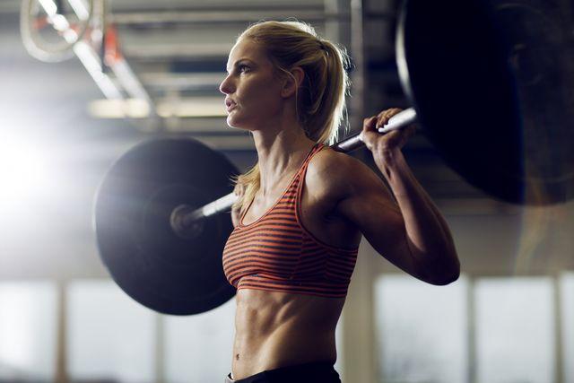 vrouw in sportschool