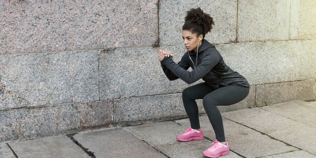Here's How Many Squats You Should Do for a Bigger Butt, According to Fitness Experts