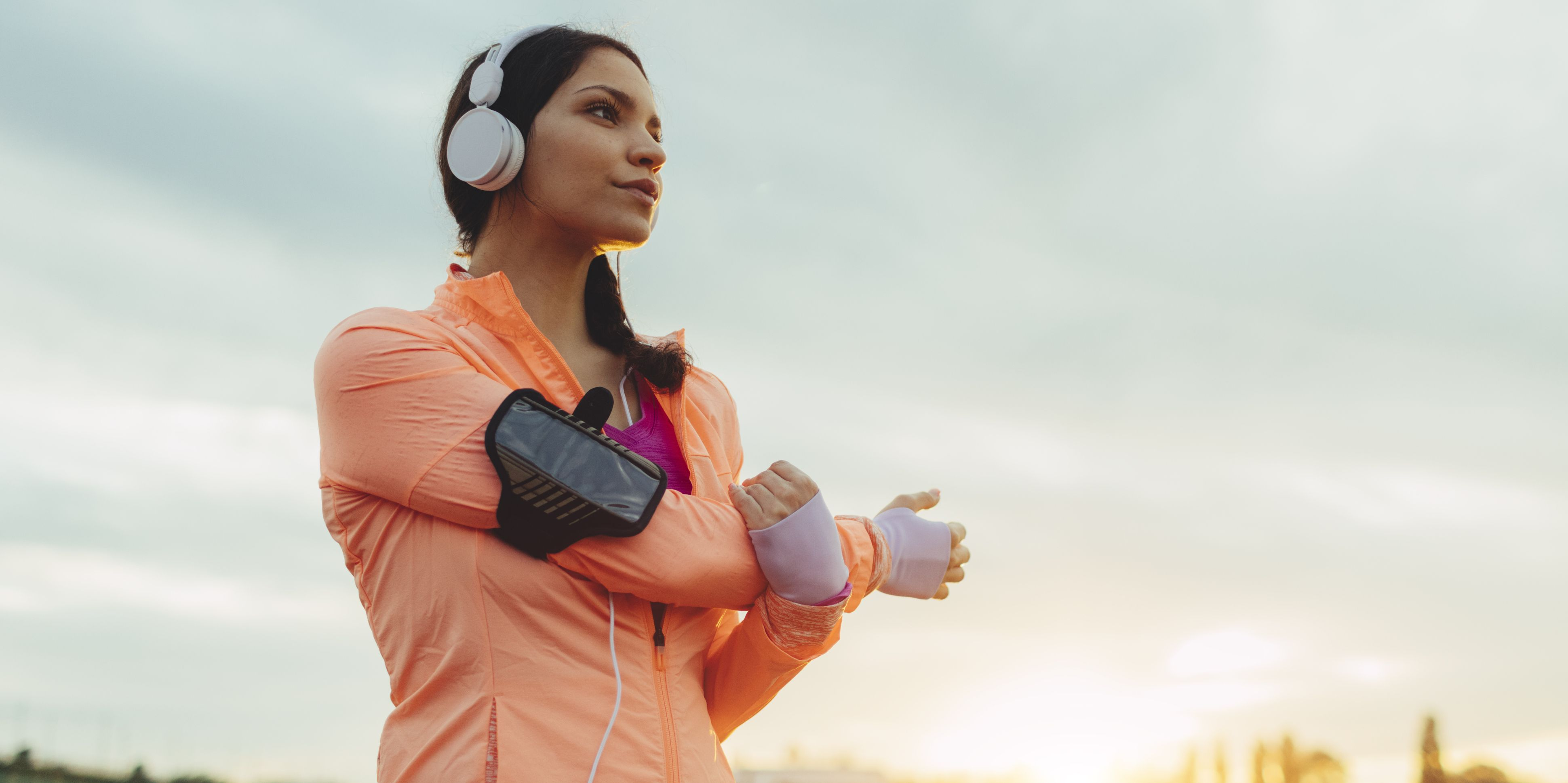 25 Fascinating Health and Fitness Podcasts to Get Obsessed With in 2019