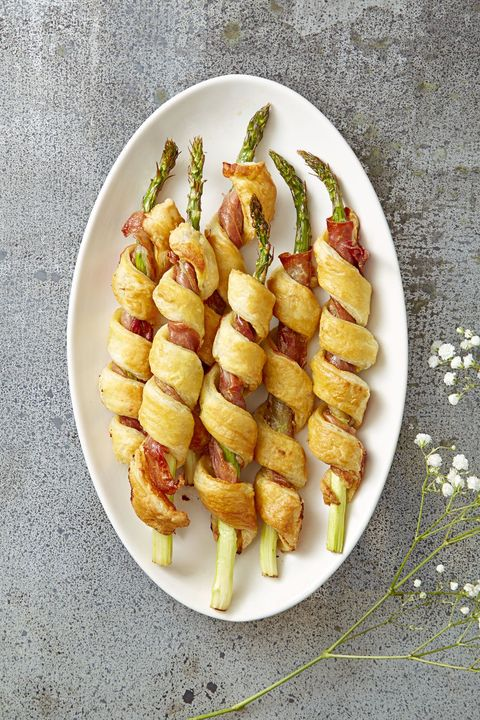 New Year's Eve Appetizers - Sprigs In a Blanket