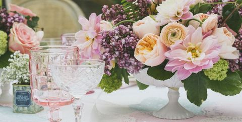 40 Fresh Ideas For Spring Centerpieces And Table Decorations