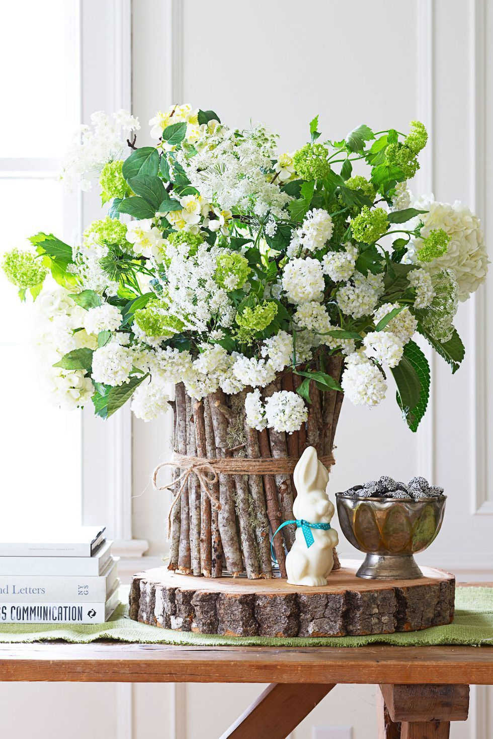 18 Spring Centerpieces To Diy Spring Centerpiece Ideas With Or Without Flowers