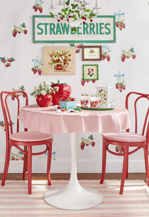 spring themes strawberry table setting