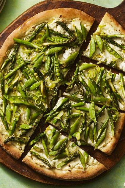 picnic food ideas - spring vegetable pizza