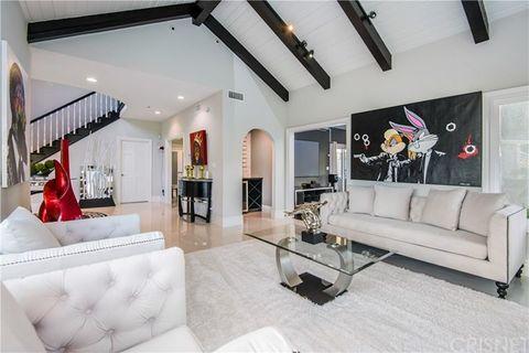 Living room, Interior design, Property, Room, Furniture, Building, Ceiling, House, Real estate, Home,