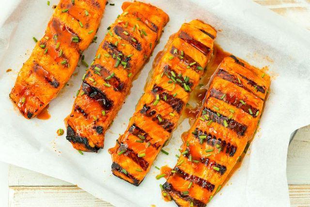 sriracha grilled salmon