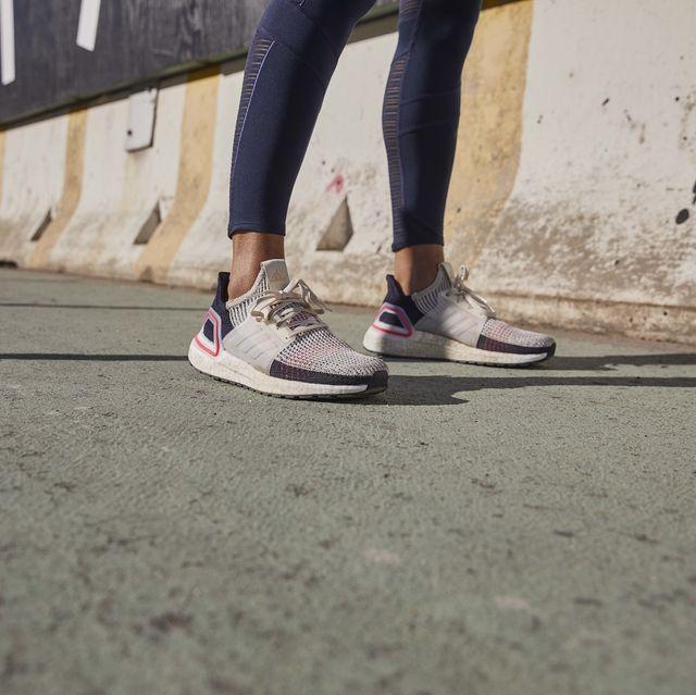 Footwear, Shoe, Human leg, Leg, Pink, Snapshot, Cool, Ankle, Asphalt, Joint,