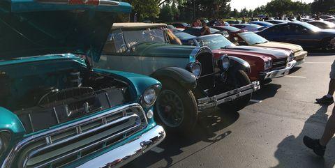 Land vehicle, Vehicle, Car, Motor vehicle, Classic, Vintage car, Full-size car, Classic car, Antique car, Custom car,