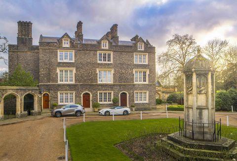 St Katharine's Precinct - London - front - Aston Chase
