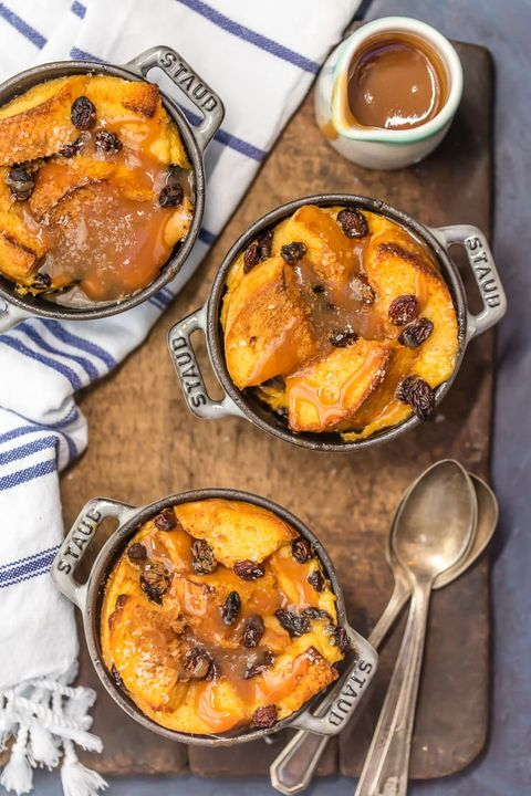 st patricks day boozy desserts irish bread pudding