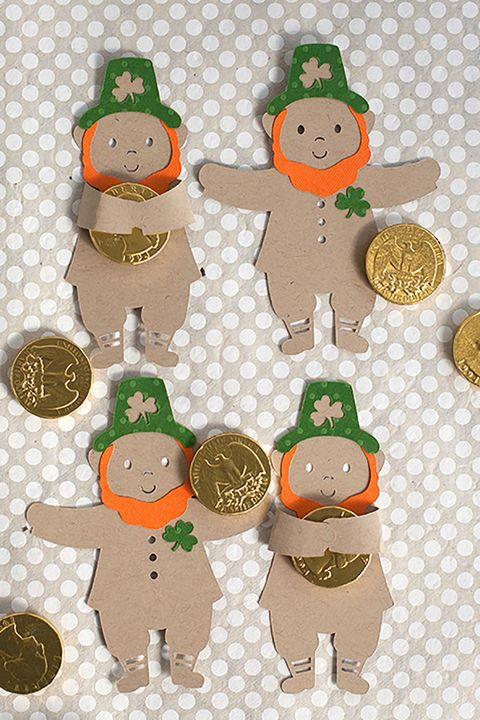 st-patricks-day-crafts-leprechaun-candy-hugger