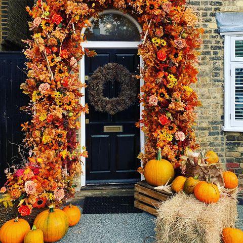 Stacey Solomon autumn front door display