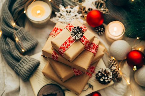 Christmas Gifts.What To Do With Unwanted Christmas Presents Recycle