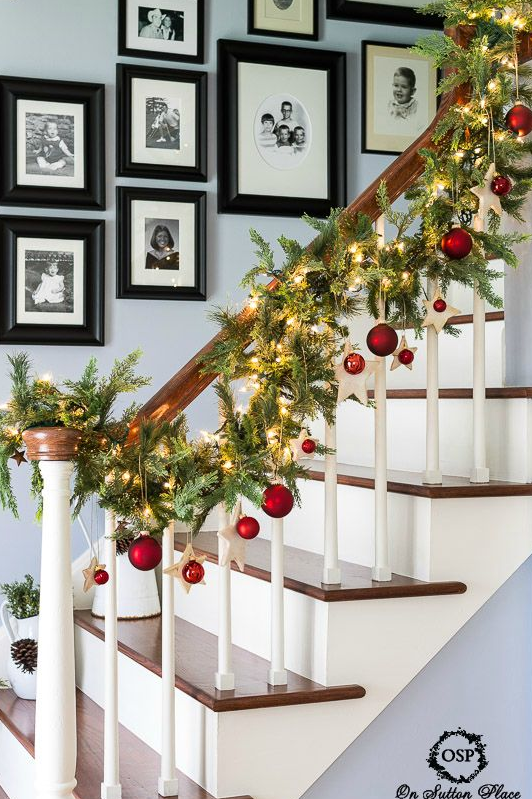 22 Best Staircase Christmas Decorations Holiday Stair Decor Ideas