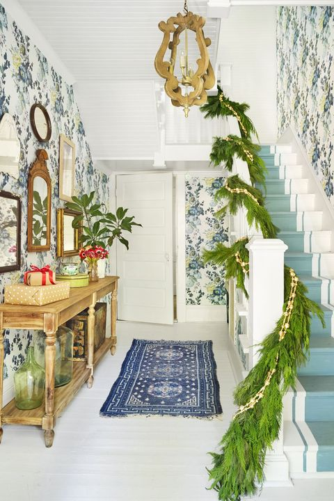 staircase christmas decorations - green and gold garland