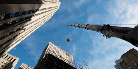 edb4922e76f New York s Rockefeller Center Christmas Tree Debuts New Star ...