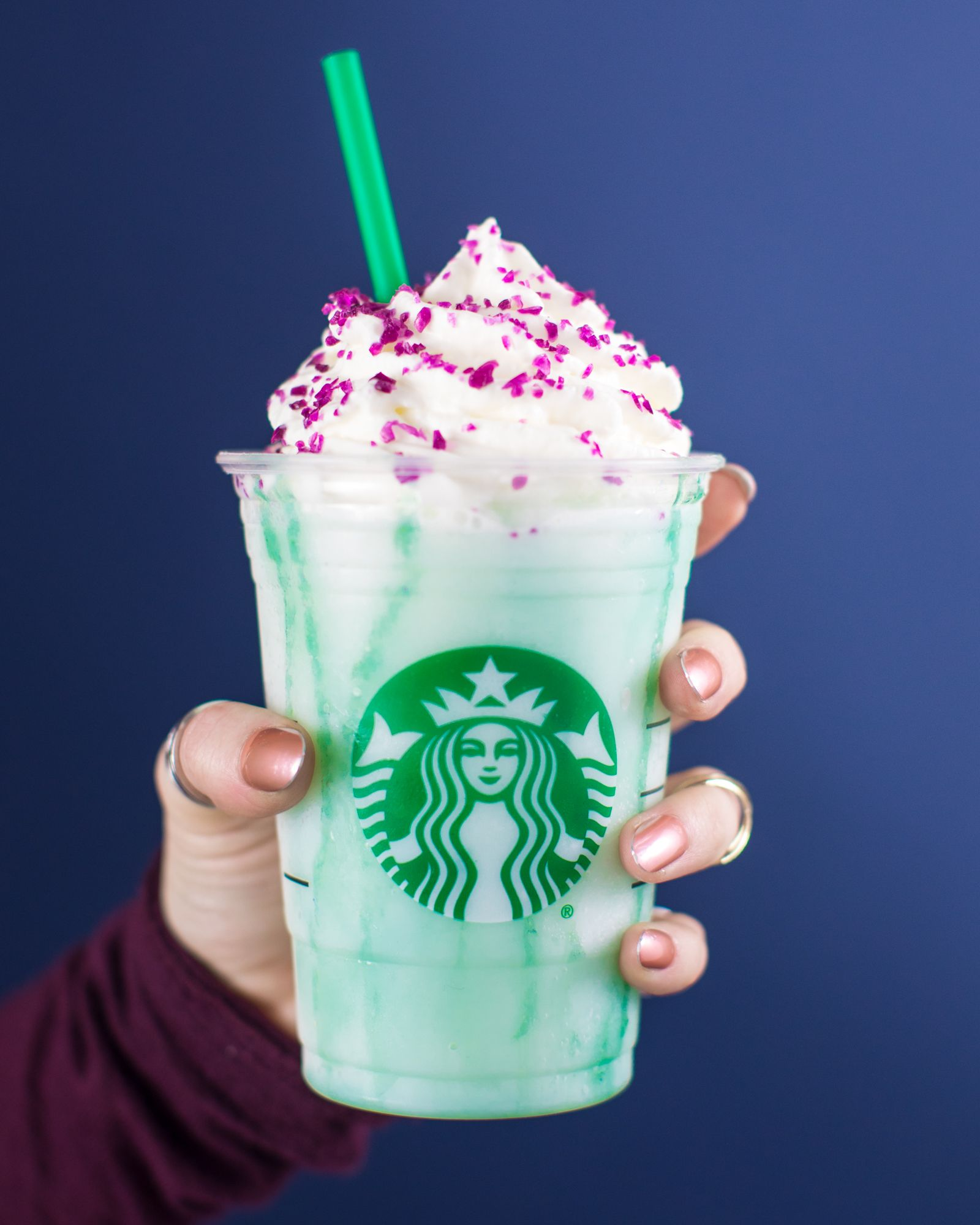 Starbucks Crystal Ball Frappuccino Is Here Taste Test Of Crystal