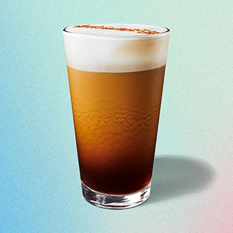 Drink, Pint glass, Beer glass, Alcoholic beverage, Pint, Distilled beverage, Beer, Wheat beer, Drinkware, Latte macchiato,