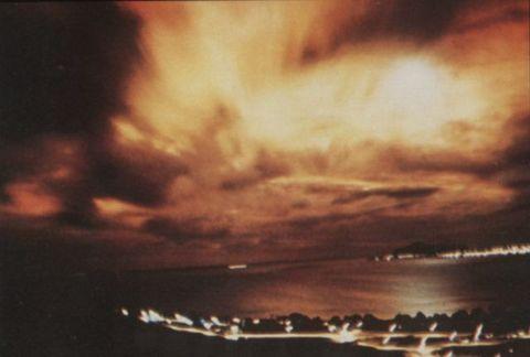 Sky, Cloud, Atmosphere, Heat, Geological phenomenon, Sea, Evening, Sunset, Meteorological phenomenon, Night,