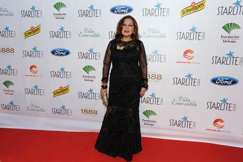 Red carpet, Carpet, Flooring, Fashion, Dress, Premiere, Event, Fashion design, Little black dress,